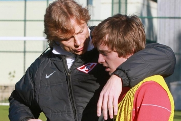 The relationship between Ananidze and Spartak boss Valeri Karpin (pictured left) has cooled since the Russian's return as head coach.