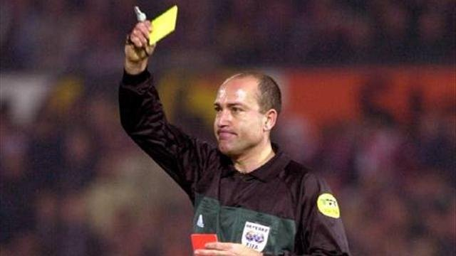 Crowd-appeasing Spanish referee, Lopez Nieto