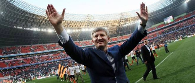 Rinat Akhmetov at his corner stone project Shakhtar Donetsk.