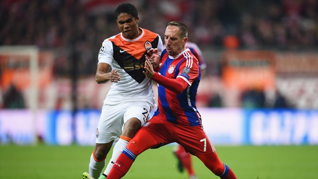 Although Ribéry and Douglas Costa are now wearing the same uniform they remain competitors - Image via abc