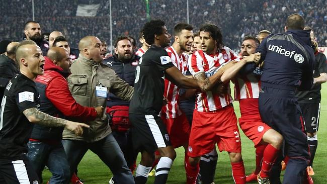 Scenes from the first leg match between PAOK and Olympiacos - Image via abc