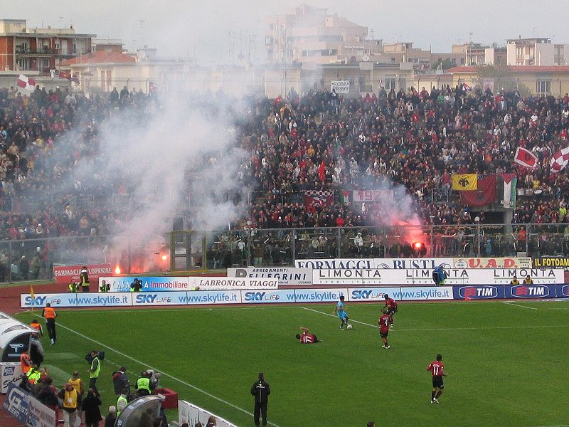 Livorno fans at the Stadio Armando Picchi took poorly to Lucarelli's decision to leave the club - Image by Lucarelli