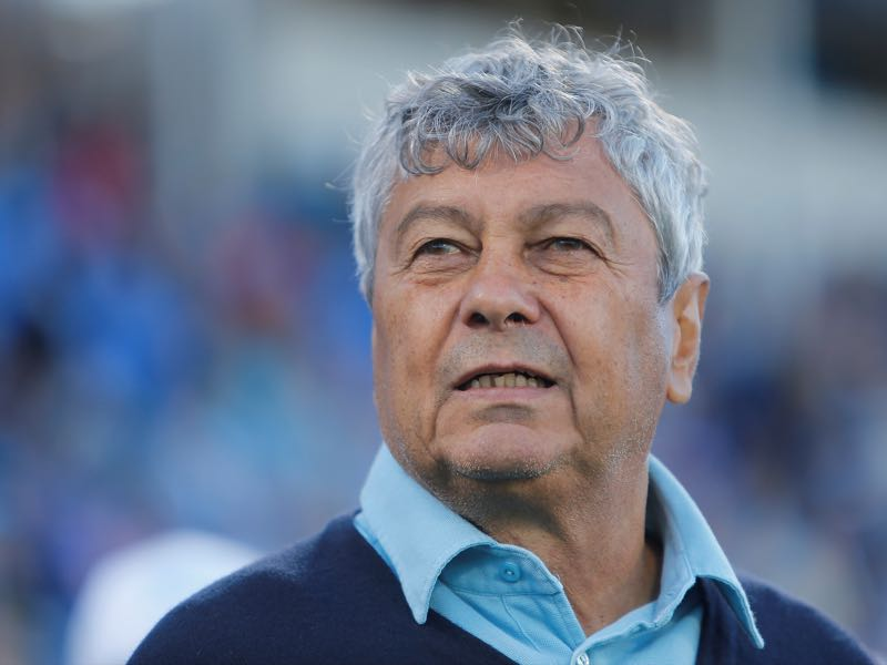 FC Zenit St. Petersburg head coach Mircea Lucescu looks on during the Russian Football League match between FC Zenit St. Petersburg and FC Rostov Rostov-on-Don at Petrovsky stadium on August 12, 2016 in St. Peterburg, Russia. (Photo by Epsilon/Getty Images)