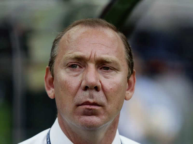 Russia coach Oleg Romantsev looks a worried man during the FIFA World Cup Finals 2002 Group H match between Belgium and Russia played at the Shizuoka Stadium Ecopa, in Shizuoka, Japan on June 14, 2002. Belgium won the match 3-2. DIGITAL IMAGE. (Photo by David Cannon/Getty Images)