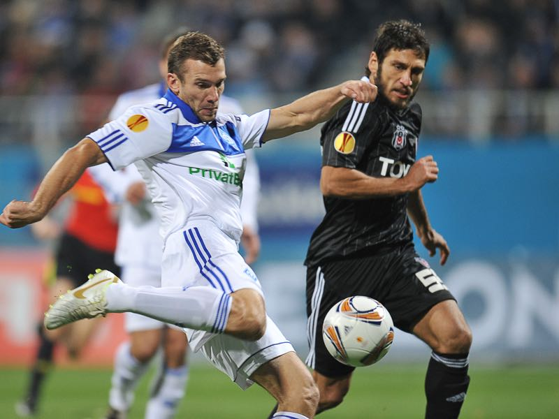 FC Dynamo Kiev's Andriy Shevchenko (L) vies with Besiktas' Egemen Korkmaz (R) during their UEFA Europa League, Group E, football match in Kiev on October 20, 2011. AFP PHOTO / SERGEI SUPINSKY (Photo credit should read SERGEI SUPINSKY/AFP/Getty Images)