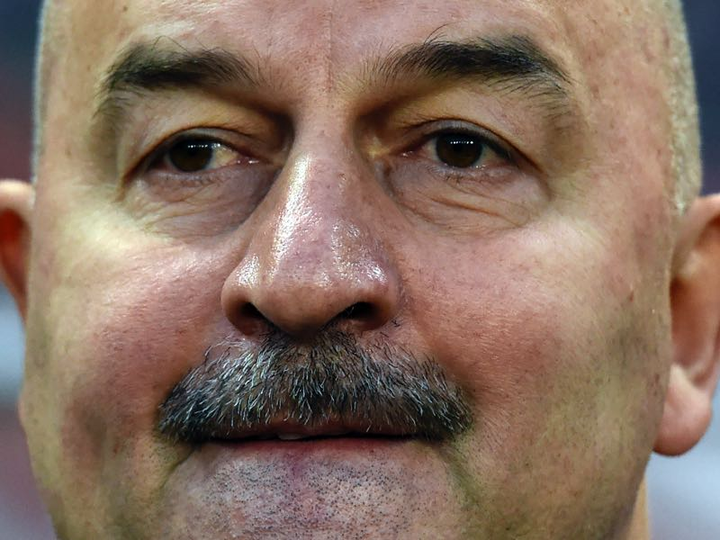 Stanislav Cherchesov will be worried about the results that his team has put together since he has taken over. (YURI KADOBNOV/AFP/Getty Images)