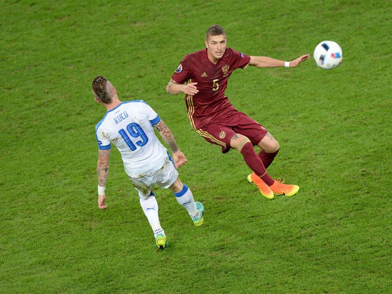 Roman Neustädter is the only foreign based player in Russia's Confederations Cup squad. (DENIS CHARLET/AFP/Getty Images)