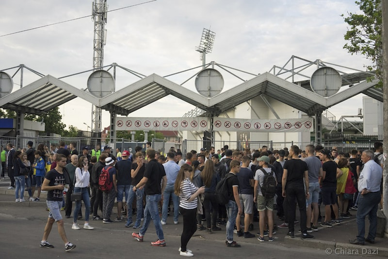 Fans wait to enter the stadium ahead of the golden match between Dacia and Sheriff - Image by Chiara Dazi.