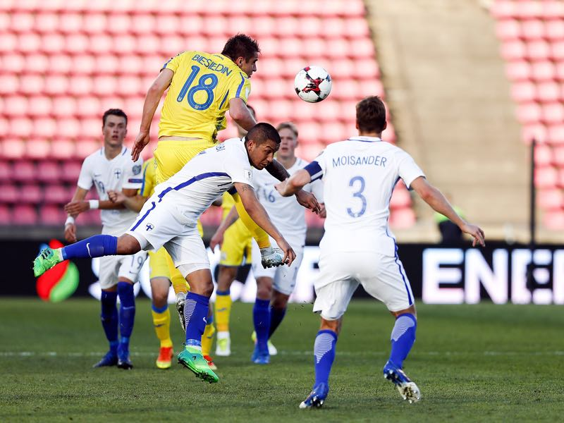 Artem Besedien rescues Ukraine's victory against Finland. (MIKA KANERVA/AFP/Getty Images)