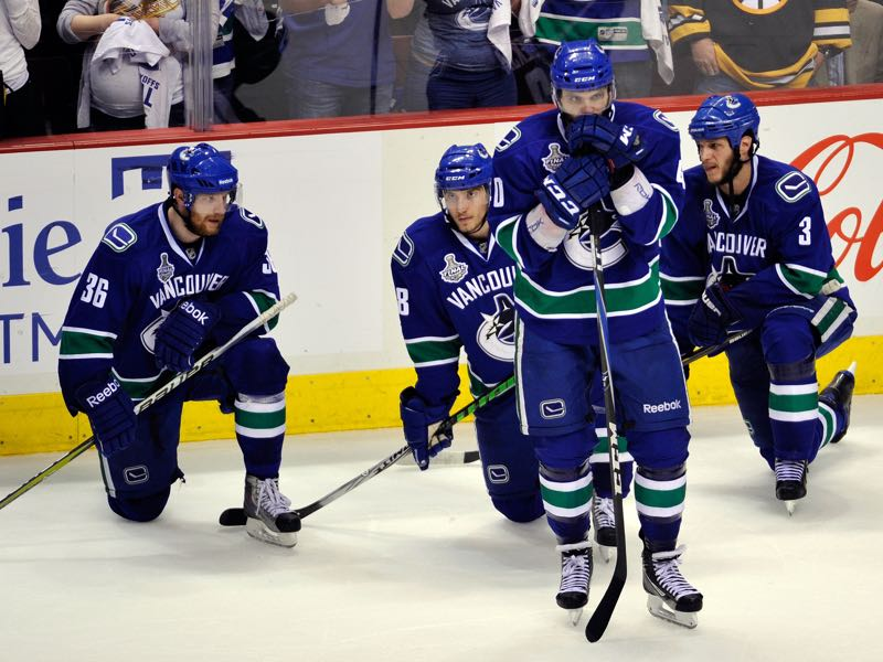 The NHL franchise Vancouver Canucks travelled 126,225km during the 2010-11 season. The leader of the pack in North America when it comes to travel in recent years. (Photo by Rich Lam/Getty Images)