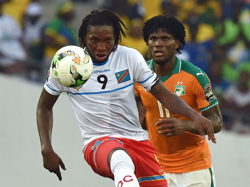 Dieumerci Mbokani is one of the many loaned out players that have returned to Ukraine during this transfer window. (ISSOUF SANOGO/AFP/Getty Images)