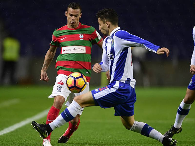 Edgar Costa (l.) is our player to watch. (MIGUEL RIOPA/AFP/Getty Images)