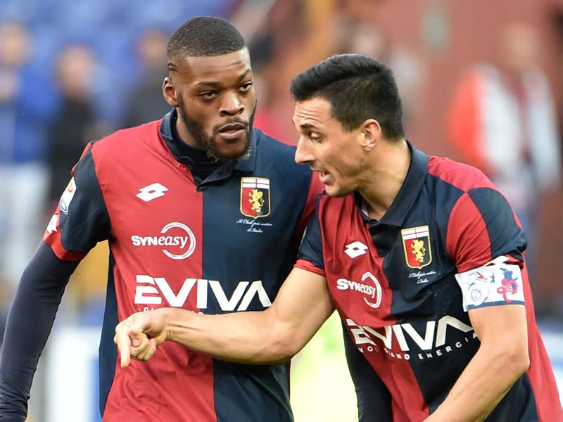 Olivier Ntcham (l.) had a successful loan spelll with Genoa. (Photo by Paolo Rattini/Getty Images)