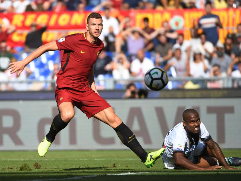 Edin Dzeko has been in good form once again. (VINCENZO PINTO/AFP/Getty Images)