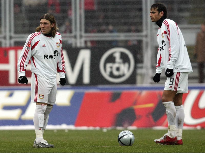 Andriy Voronin and Dimitar Berbatov formed an excellent partnership at Bayer Leverkusen. (Photo by Christian Fischer/Bongarts/Getty Images)
