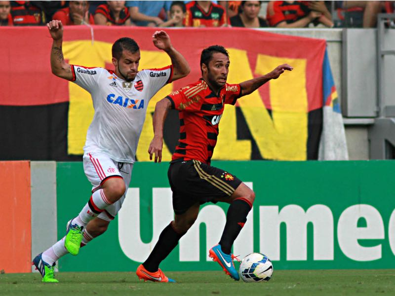 Ibson (r.) played for Sport Recife before making the move to Minnesota United. (Photo by Renato Spencer/Getty Images)