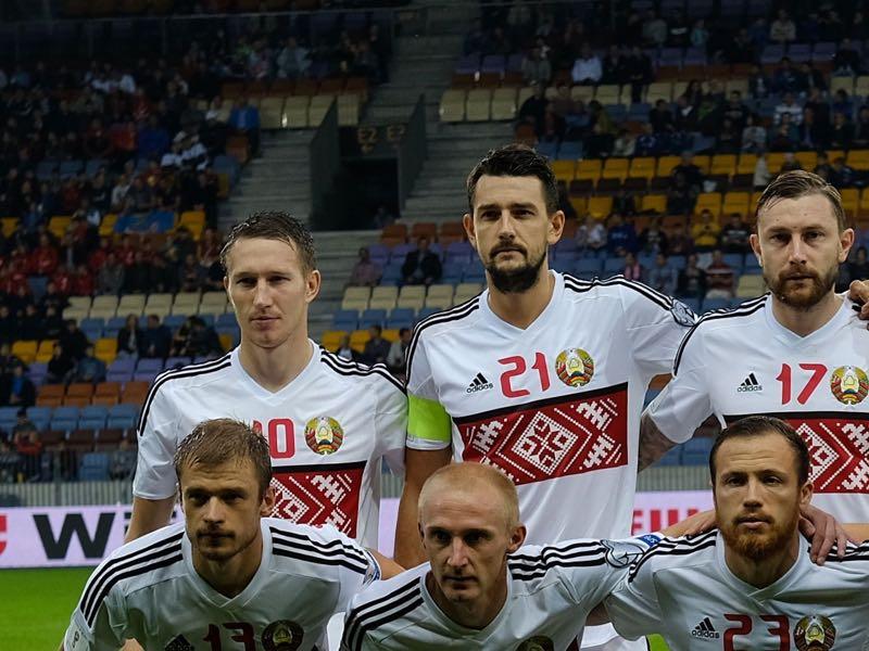 Anton Saroka (top l.) will be Belarus' key player. (YURI KADOBNOV/AFP/Getty Images)