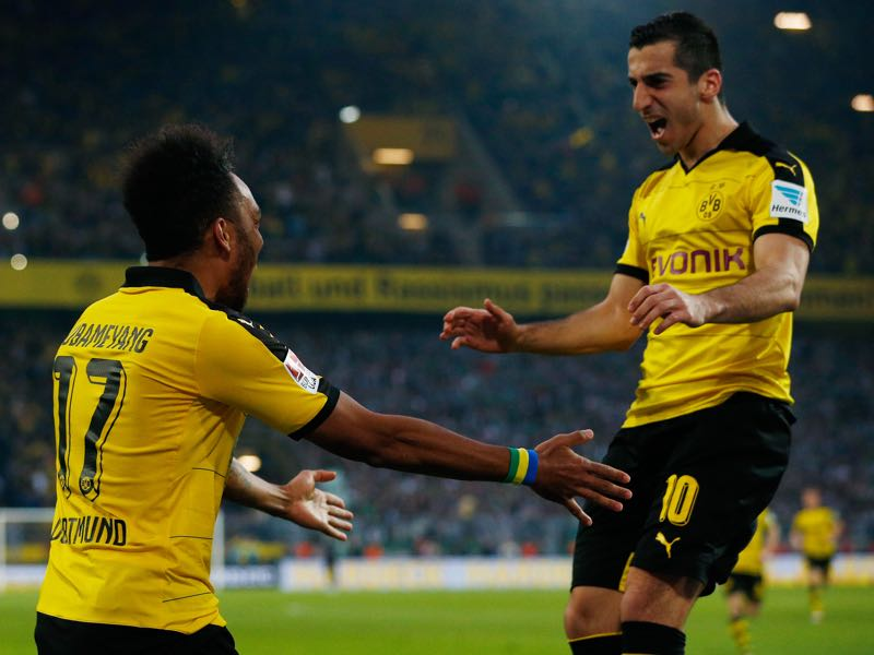Aubameyang (l.) and Mkhitaryan (r.) could soon be re-united at Arsenal. (Photo by Dean Mouhtaropoulos/Bongarts/Getty Images)