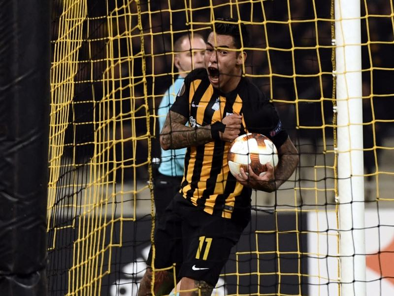 Sergio Araujo will lead the charge for AEK Athens. ARIS MESSINIS/AFP/Getty Images)