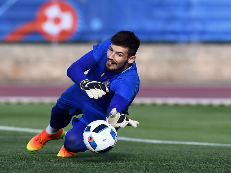 Goalkeeper Denys Boyko will be key for Dynamo Kyiv. (ANNE-CHRISTINE POUJOULAT/AFP/Getty Images)