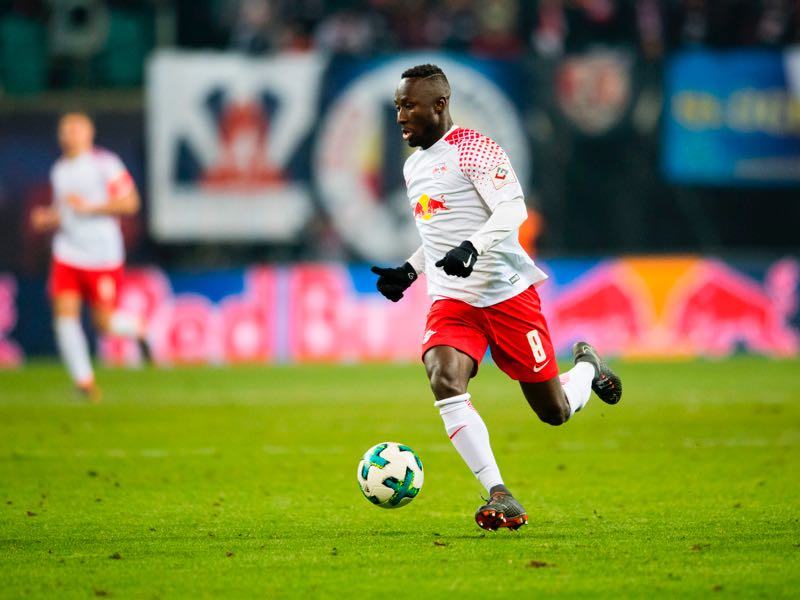 Naby Keïta will try to limit Paredes' influence on Zenit's game. Zenit vs RB Leipzig will take place at the Krestovsky Stadium. (ROBERT MICHAEL/AFP/Getty Images)