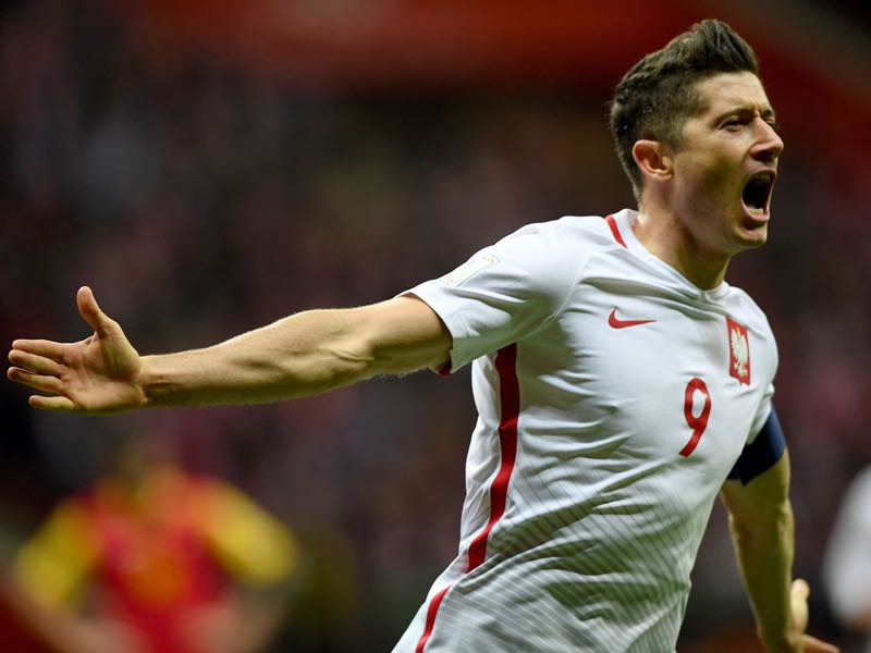 Robert Lewandowski's goals are Poland's life insurance (JANEK SKARZYNSKI/AFP/Getty Images)