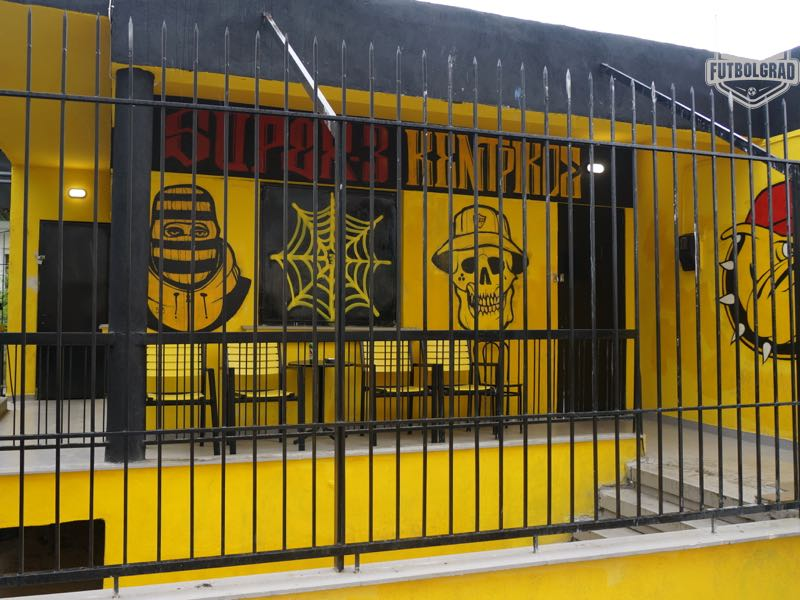 Artwork covers the headquarters of the Aris Super 3 ultra group (Manuel Veth/Futbolgrad Network)