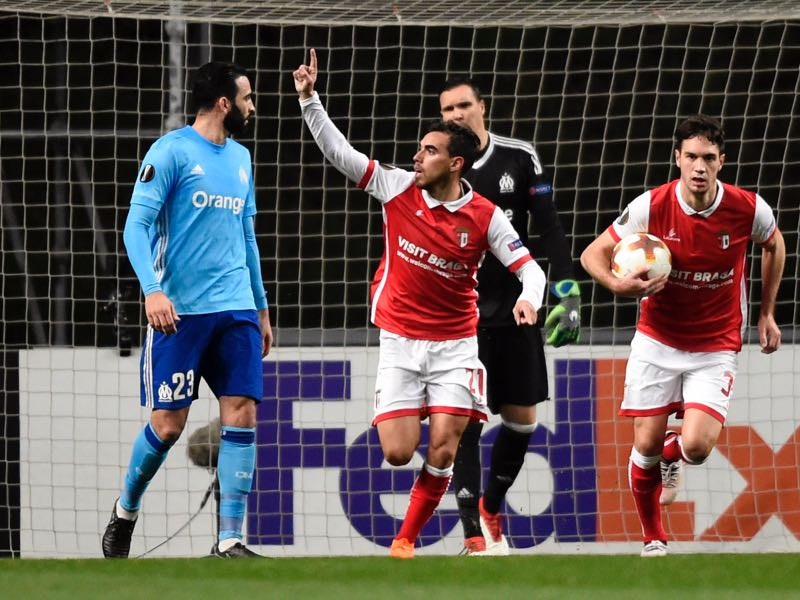 Sporting Braga's Portuguese forward Ricardo Horta (2L) celebrates after scoring a goal during the Europa League Round of 32 second leg football match between SC Braga and Olympique de Marseille at the Municipal stadium of Braga on February 22, 2018. / AFP PHOTO / MIGUEL RIOPA (Photo credit should read MIGUEL RIOPA/AFP/Getty Images)