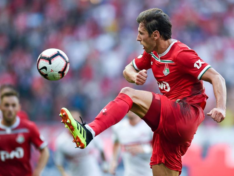 Grzegorz Krychowiak of FC Lokomotiv Moscow in action during the Russian Premier League match between FC Lokomotiv Moscow and FC Spartak Moscow at the RZD Arena Stadium on August 04, 2018 in Moscow, Russia. (Photo by Epsilon/Getty Images)