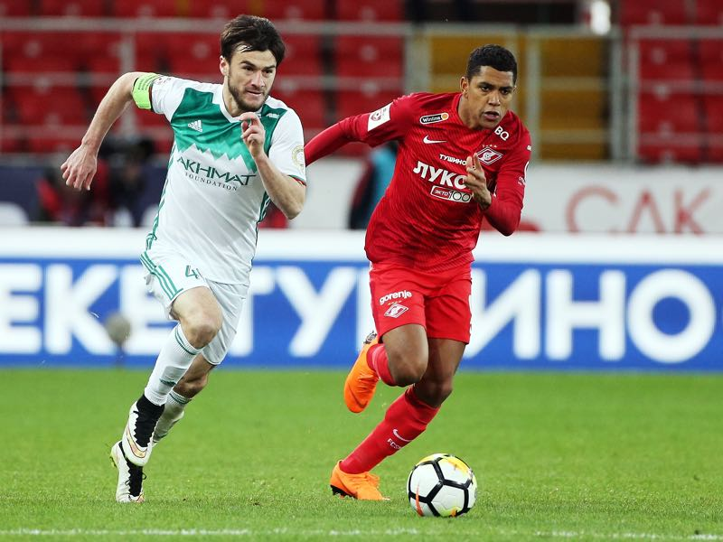 Pedro Rocha of FC Spartak Moscow vies for the ball with Rizvan Utsiyev of FC Akhmat Grozny during Russian Premier League between FC Spartak Moscow vs FC Akhmat Grozny on April 23, 2018 in Moscow, Russia. (Photo by Epsilon/Getty Images)