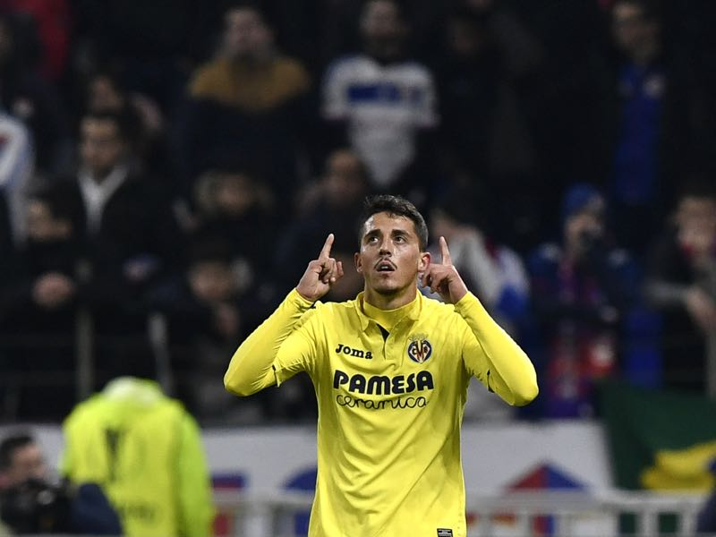 Villarreal's Spanish midfielder Pablo Fornals celebrates after scoring a goal during the Europa League (C3) football match Olympique Lyonnais (OL) vs Villarreal CF (VCF) on February 15, 2018, at the Groupama Stadium in Decines-Charpieu, central-eastern France. (JEFF PACHOUD/AFP/Getty Images)