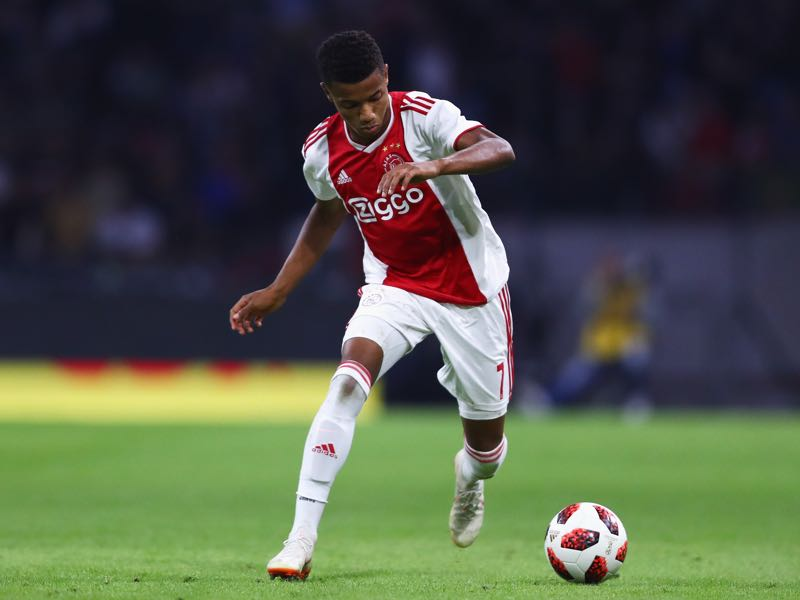 David Neres of Ajax in action during the UEFA Champions League third round qualifying match between Ajax and Royal Standard de Liege at Johan Cruyff Arena on August 14, 2018 in Amsterdam, Netherlands. (Photo by Dean Mouhtaropoulos/Getty Images)