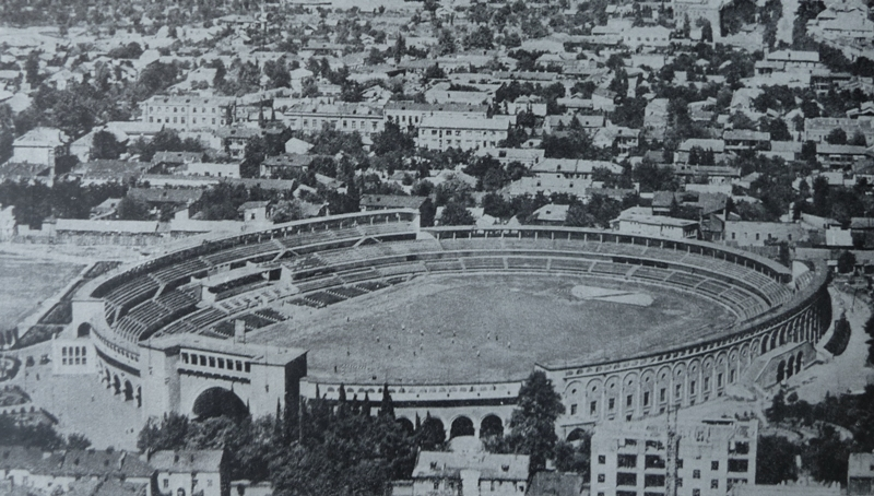The Dinamo Stadium in Tbilisi (photo from 1935) was a perfect example of football stadium architecture under Stalinism