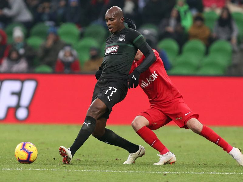 Charles Kabore (L) of FC Krasnodar vies for the ball with Dmitri Torbinski of FC Yenisey Krasnoyarsk during the Russian Premier League match between FC Krasnodar v FC Yenisey Krasnoyarsk at Krasnodar Stadium on November 11, 2018 in Krasnodar, Russia. (Photo by Epsilon/Getty Images)