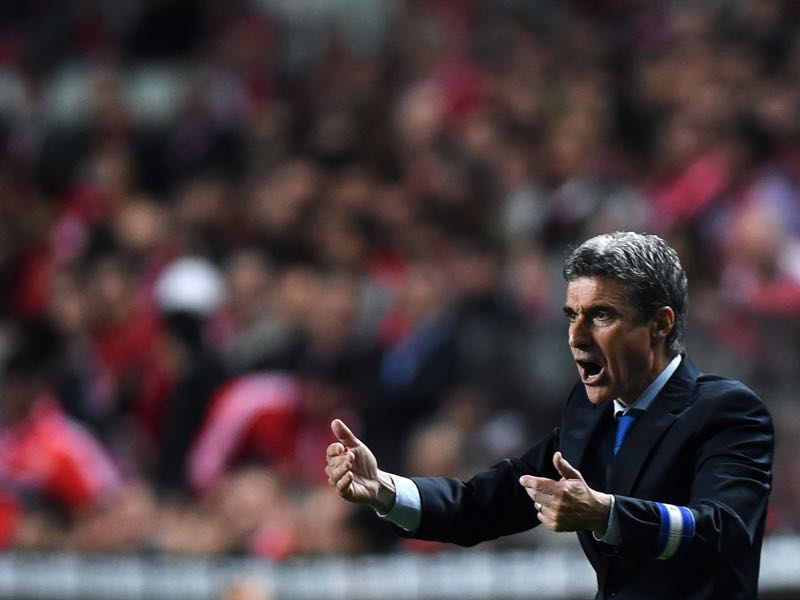 Luis Castro reacts during the Portugal Cup semi-final second leg football match SL Benfica vs FC Porto at Luz stadium in Lisbon on April 16, 2014. AFP PHOTO/ FRANCISCO LEONG (Photo credit should read FRANCISCO LEONG/AFP/Getty Images)