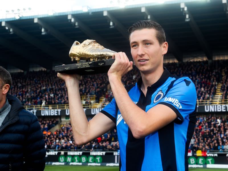 Club's Hans Vanaken poses with the golden shoe, at the start of a soccer match between Club Brugge and RSC Anderlecht, Sunday 28 April 2019 in Brugge, on day 6 (out of 10) of the Play-off 1 of the 'Jupiler Pro League' Belgian soccer championship. BELGA PHOTO BRUNO FAHY
