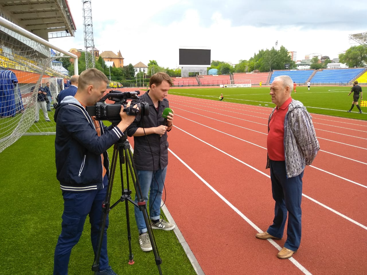 Reporters prepping in Tyumen ahead of a preseason friendly (Andrew Flint/Futbolgrad Network)